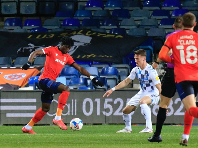Elijah Adebayo in action for Luton against Coventry