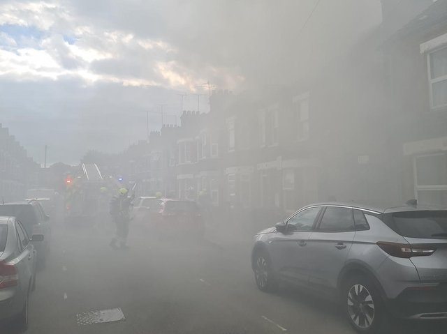 Smoke from the fire clogged the air in Reginald Street         (Beds Fire and Rescue Service)