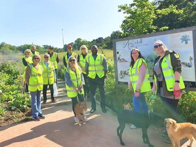 Beds PCC Festus Akinbusoye with Dog Watch volunteers