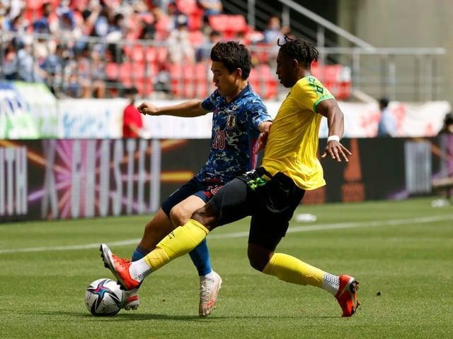 Amari'i Bell en acción para Jamaica en un amistoso reciente contra Japón U24