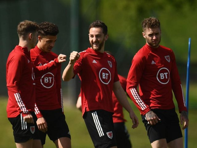 Tom Lockyer trains with Wales at the Euros