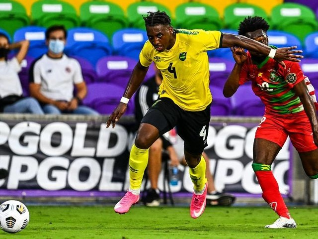 Amari'i Bell in action for Jamaica against Suriname on Monday night