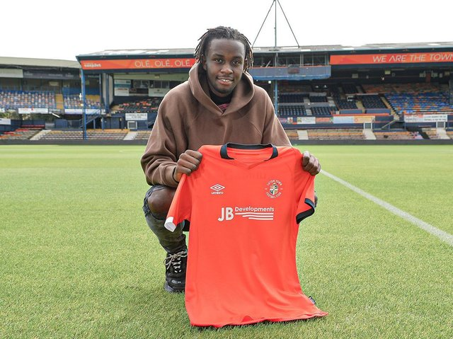 New Town signing Admiral Muskwe